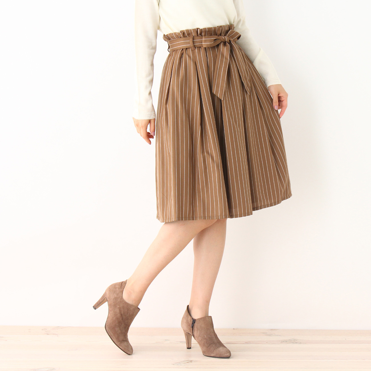 【SOUP (スープ)】INCEDE 先染めストライプギャザースカートレディース スカート|ひざ丈 キャメル